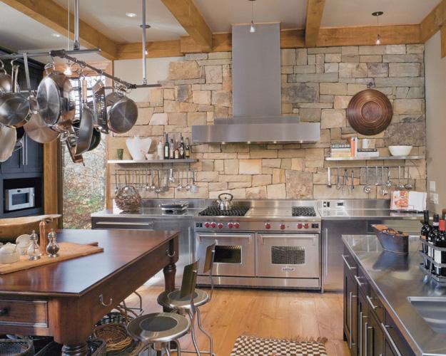10 Lineberger kitchen 02