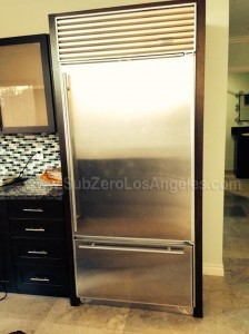 650-Sub-Zero-fridge-door-gasket-repaired-pait-work-at-January-11-2014-in-Pacific-Palisades